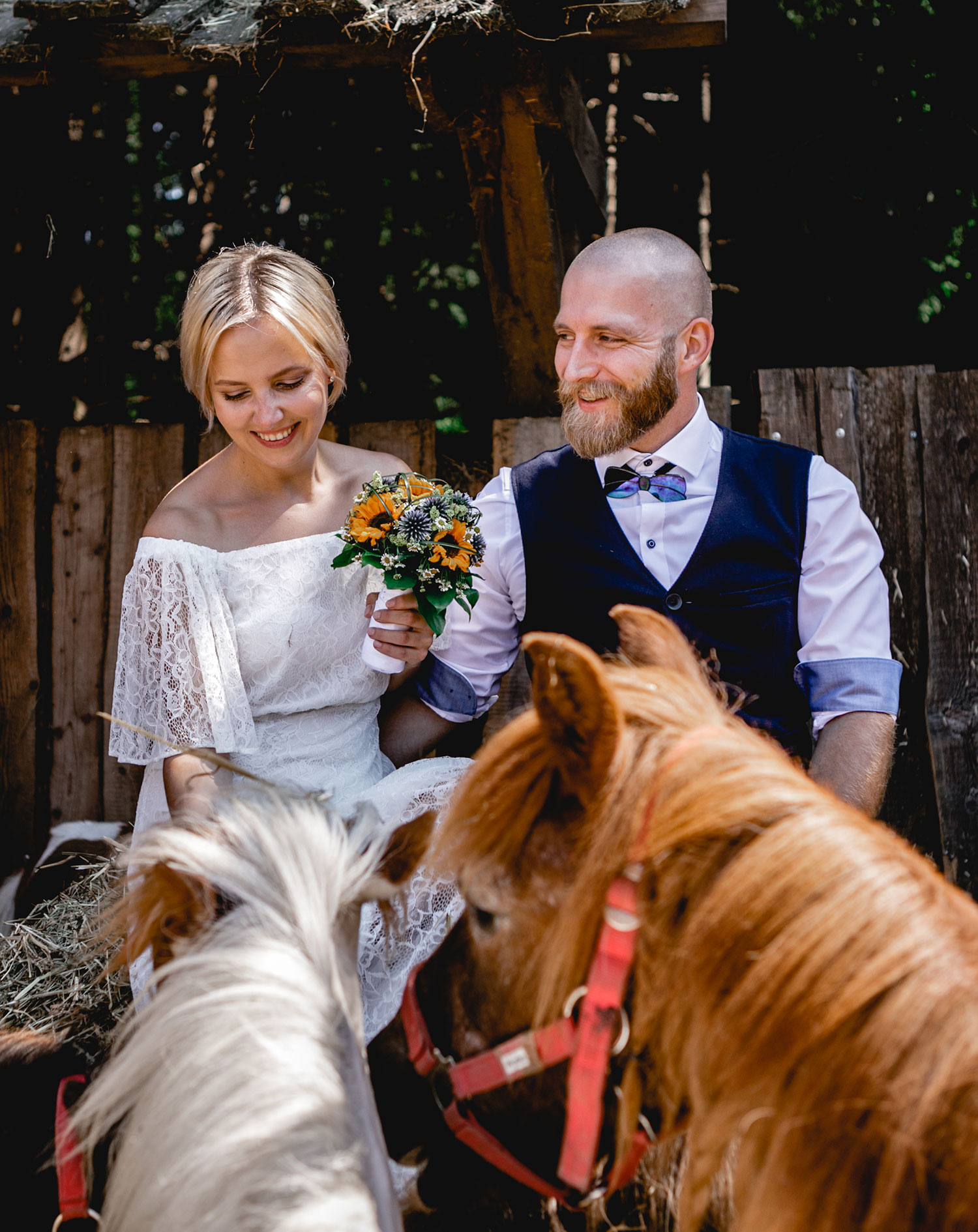 Die traumhafte Hochzeit von Ricarda und Georg auf Gut Aiderbichl inmitten der geretteten Tiere